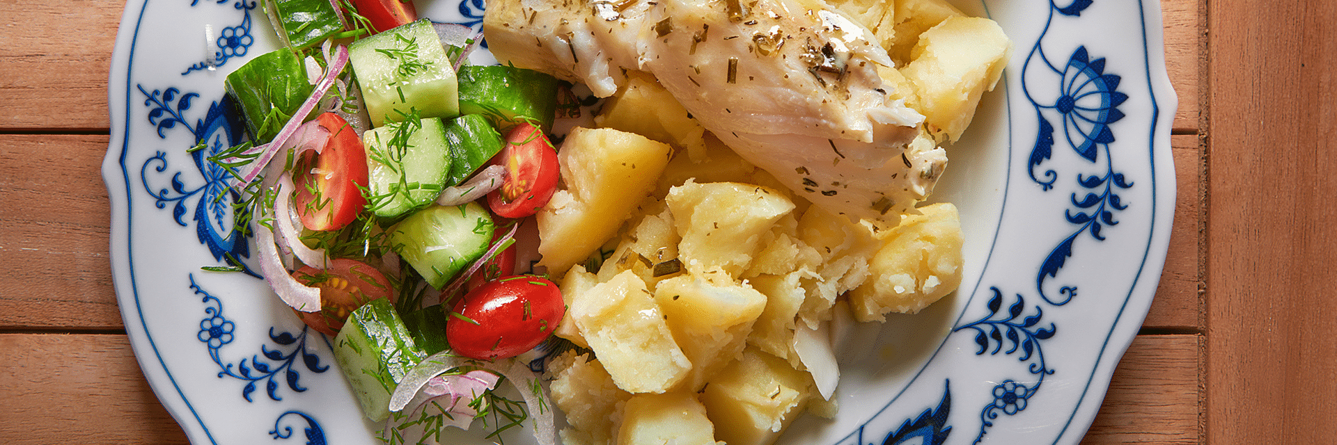 Oma's aardappel met gestoofde vis in kruidenboter