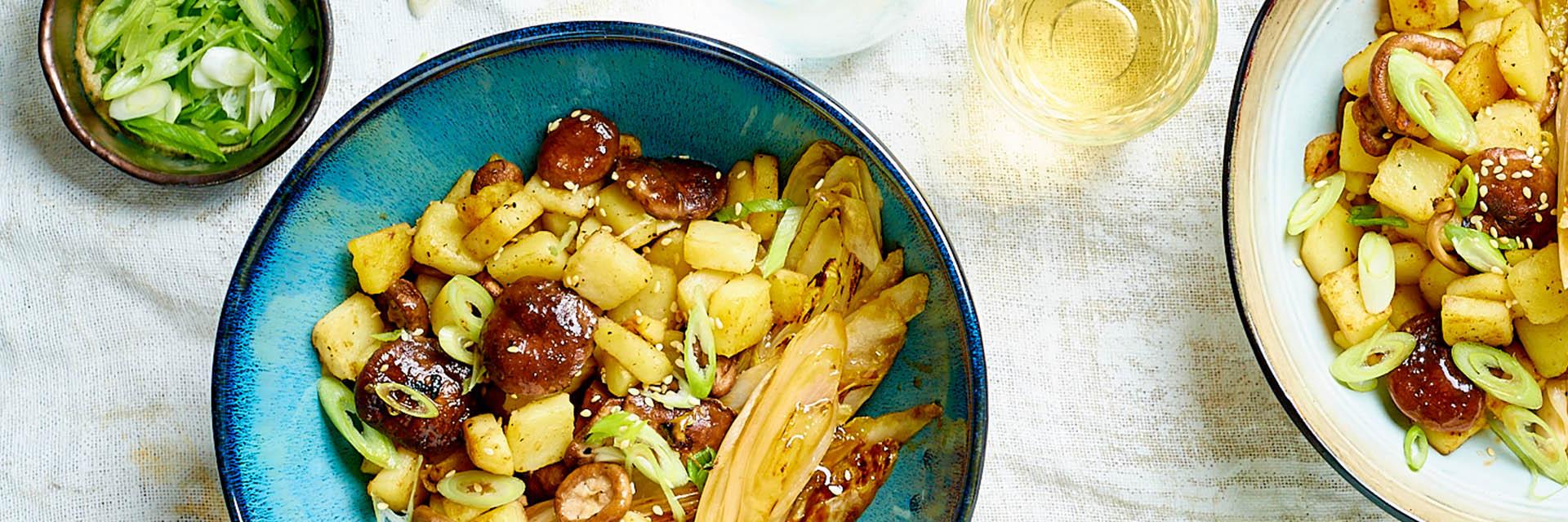 Wokgerecht met aardappel, witlof en hoisinsaus